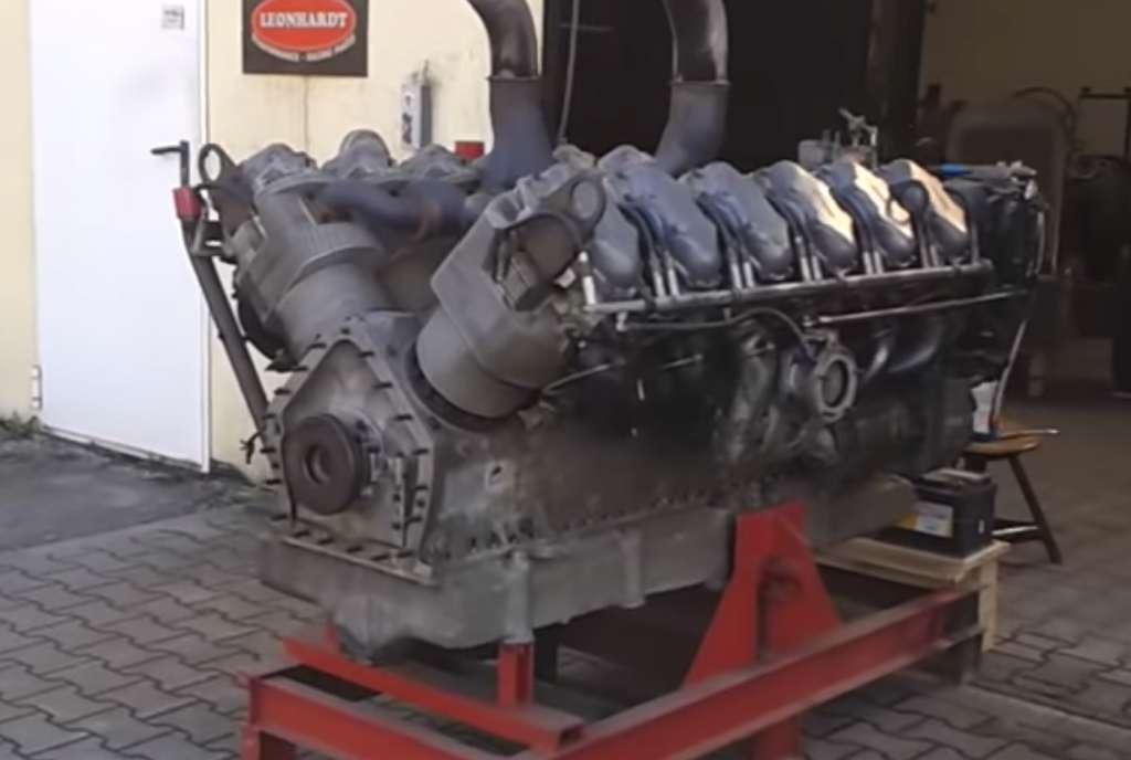 motor de tanc